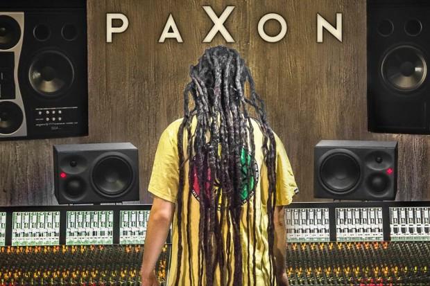 """Koncert promujący najnowszą płytę PaXona """"Roots Rap Reggae"""" w Zawidowie"""