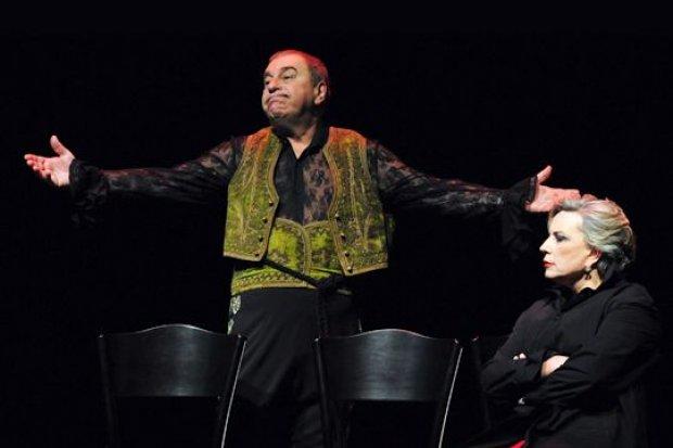 """""""32 omdlenia"""": przedstawienie Teatru Polonia w CK Muza. W rolach głównych: Krystyna Janda i Jerzy Stuhr"""