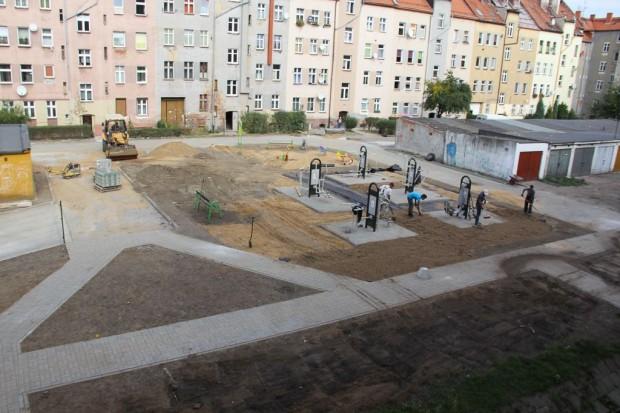 LBO: podwórkowe centrum sportowe przy ul. Żwirki i Wigury