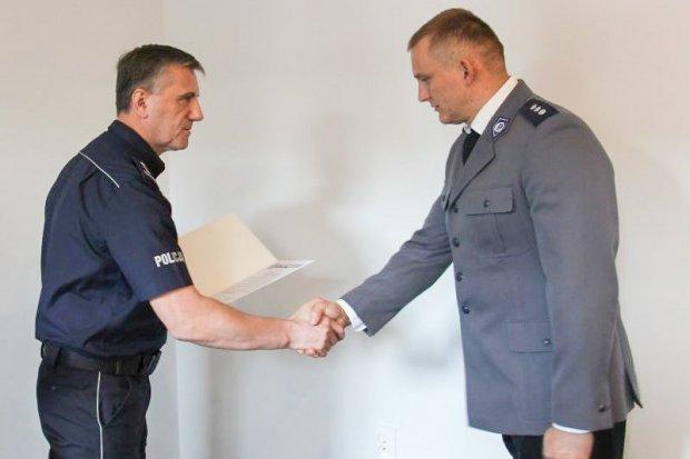 Policjanci uhonorowani za wyjaśnienie dwóch brutalnych podwójnych morderstw i zatrzymanie sprawcy