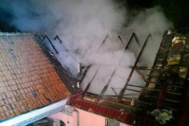 Pożar budynku w Tomisławiu (gmina Osiecznica)