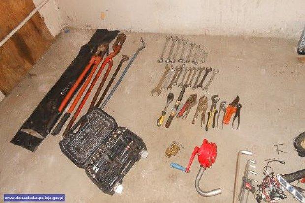 Grupa włamywaczy rozbita przez policjantów. Mundurowi odzyskali mienie warte – bagatela! – kilkanaście tys. zł