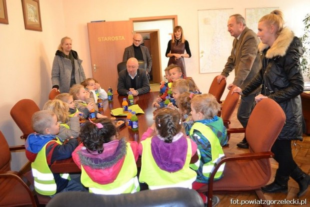 Przedszkolaki w Starostwie Powiatowym