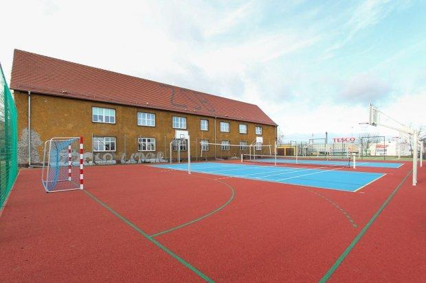 Nowe boiska sportowe przy Zespole Szkół Budowlanych