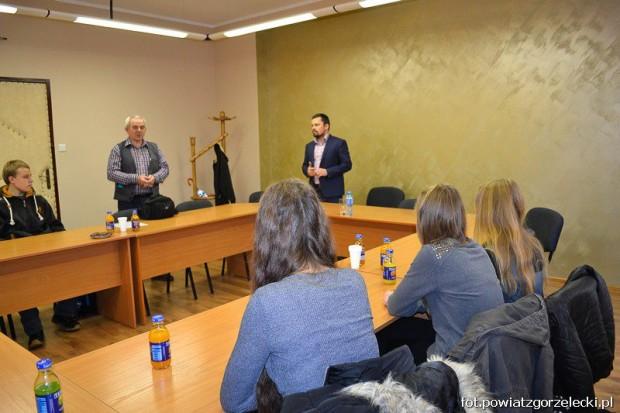 Gimnazjaliści odwiedzili Starostwo Powiatowe