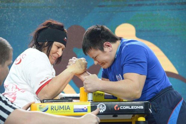 Polska druga w Mistrzostwach Świata w Armwrestlingu. Sonia Turzyniecka z podwójnym złotem i srebrem