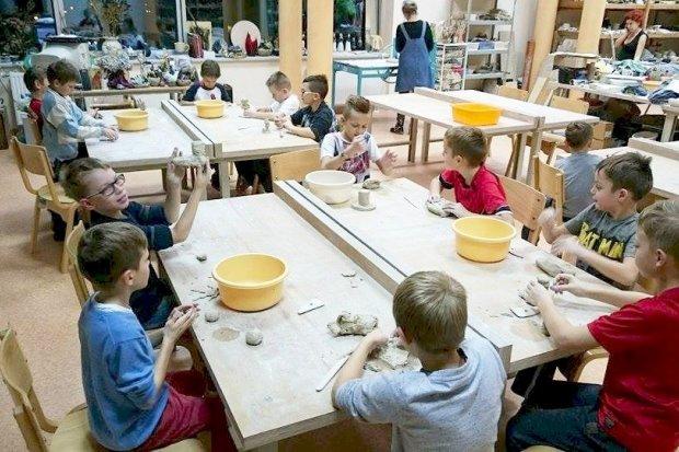 Ceramiczno-rzeźbiarskie zajęcia żaków i orlików BKS