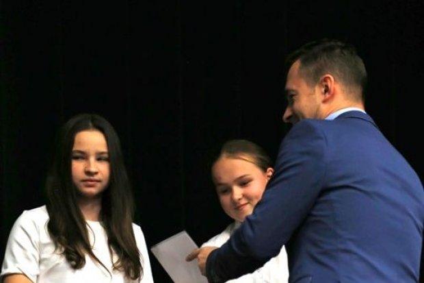 """II LO i Szkoła Filmowa najlepsze w konkursie """"Dziękuje nie palę"""""""