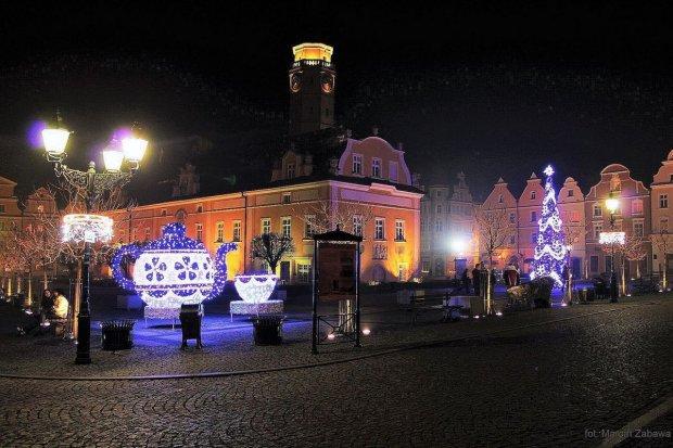 Świąteczne dekoracje w rynku zachwycają bolesławian