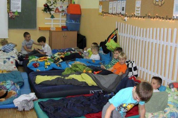 Dzieci spędziły noc w szkole w Kruszynie