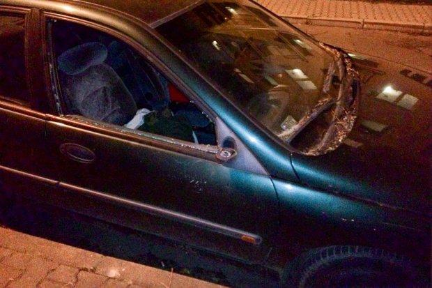 Renault z lubańską rejestracją straszy na Piotra i Pawła