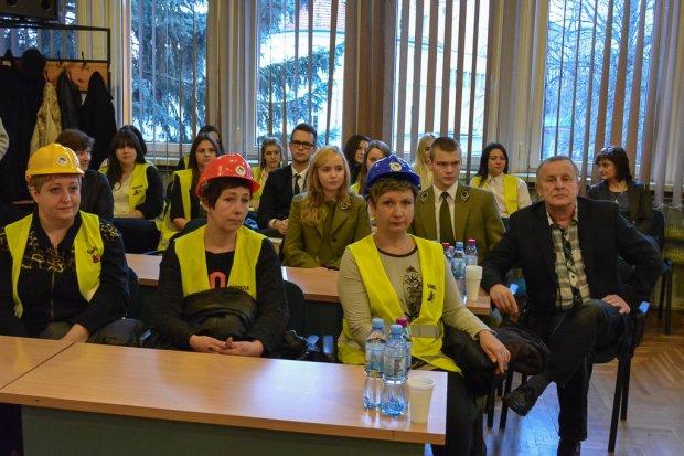"""Protest """"Budowlanki"""" na sesji Rady Powiatu"""