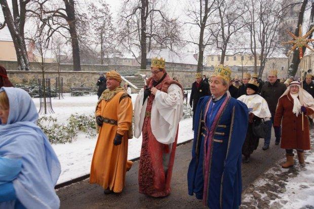 Orszak Trzech Króli przeszedł ulicami Bolesławca