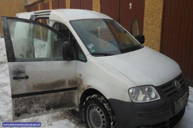 Policjanci odzyskali skradziony samochód dostawczy, warty ponad 20 tys. zł. Złodziej zatrzymany