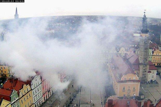 Pożar w Rynku, spłonęło poddasze kamienicy