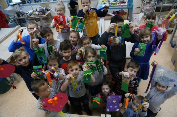 Warsztaty dla dzieci w BOK-MCC z okazji Dnia Babci i Dziadka