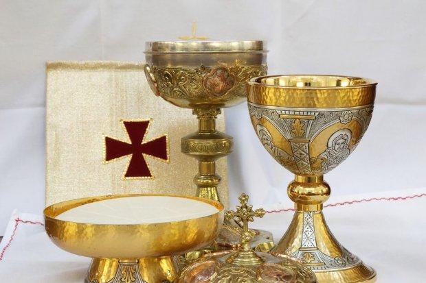 Włamała się do kościoła. Ukradła naczynia liturgiczne i omal nie spaliła obiektu