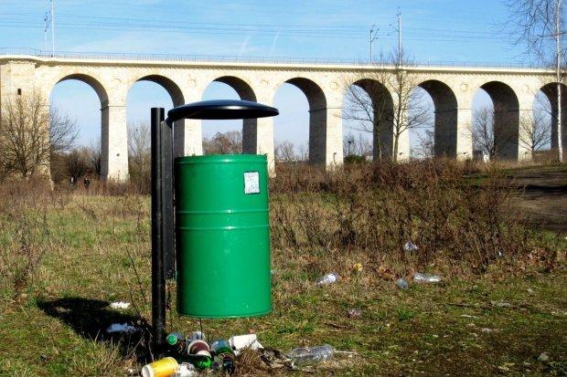 Za mało koszy na śmieci w Bolesławcu?