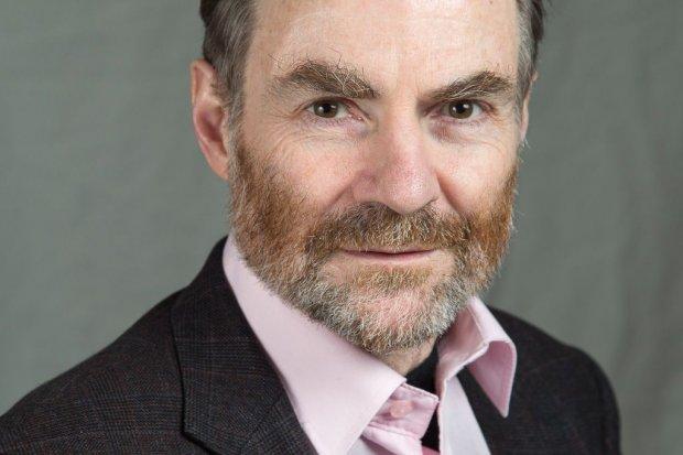 Timothy Garton Ash z Nagrodą Mostu