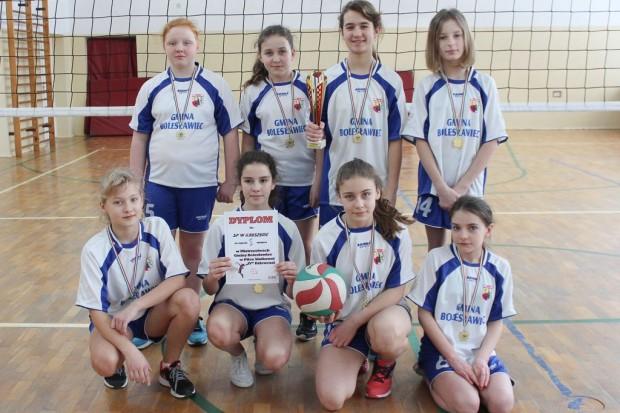 Siatkarki z SP w Kruszynie najlepsze w gminie