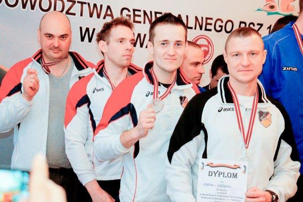 Pancerniacy wywalczyli srebro w pływaniu