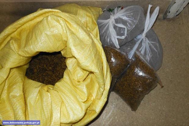 43-latek handlował nielegalnym tytoniem