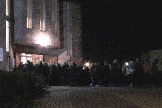 Nocą zabrzmiały dzwony przy Jana Pawła II, nadeszła Wielkanoc