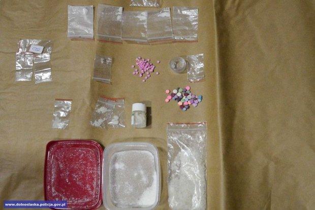 Wpadli z 4 tys. porcji narkotyków. Dwie osoby zatrzymane
