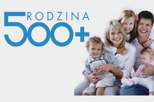 """Pierwszy tydzień programu """"Rodzina 500 plus"""" w Bolesławcu"""
