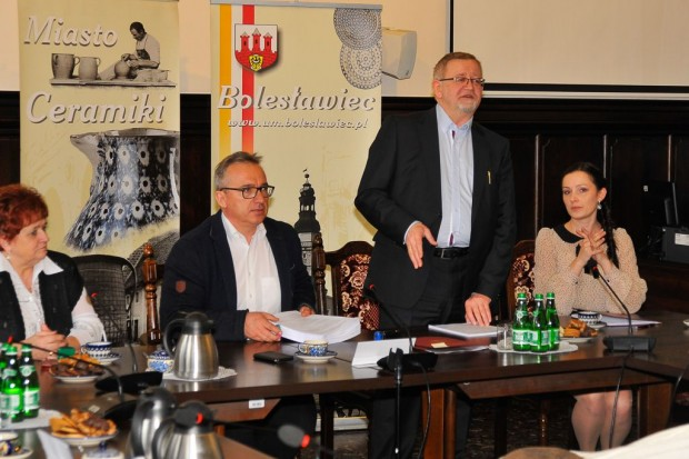 10 gmin zawarło umowę partnerstwa