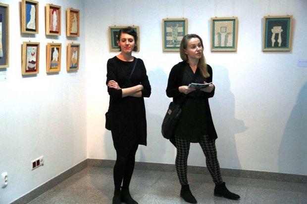 Obrazy ceramiczne Weroniki Surmy w BOK-MCC