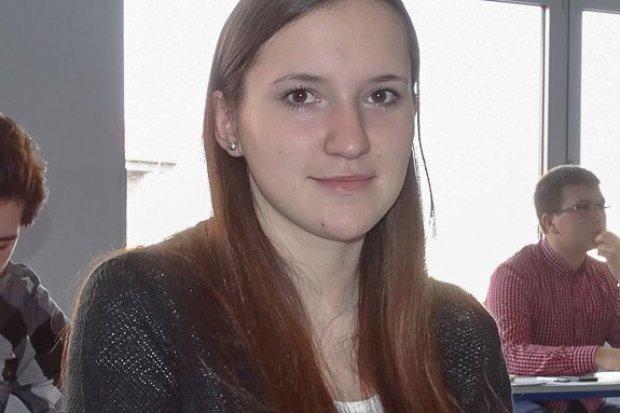"""Uczennica """"Handlówki"""" Magdalena Słabicka wyróżniona w Ogólnopolskiej Olimpiadzie Logistycznej"""