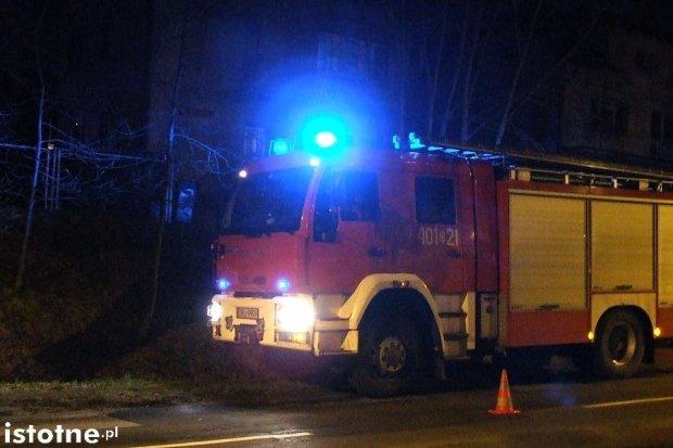Akcja straży pożarnej na ulicy Wierzbowej