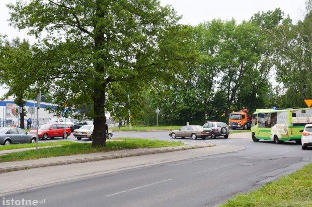 Będzie bezpieczniej na wypadkogennych skrzyżowaniach? Rondo na krzyżówce pod wiaduktem?