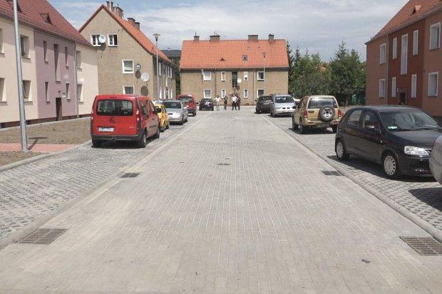 Zakończyły się prace na podwórku ul. Wróblewskiego 6a–6g