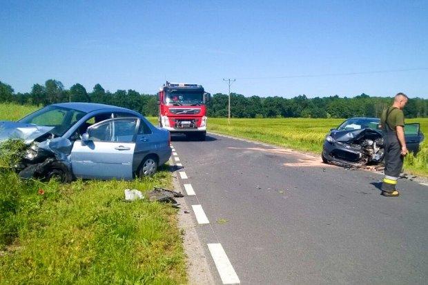 Zderzenie dwóch aut między Lubkowem a Wilczym Lasem