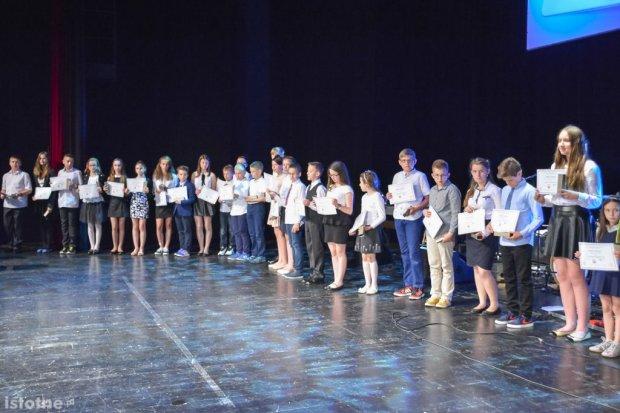 Prezydent Piotr Roman nagrodził najzdolniejszych uczniów