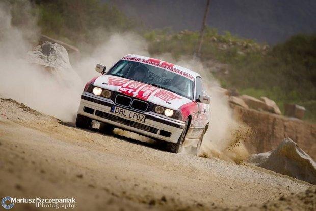 Bolesławieccy rajdowcy ze Stag BC Rally Team na trzecim miejscu w Gravel Masters