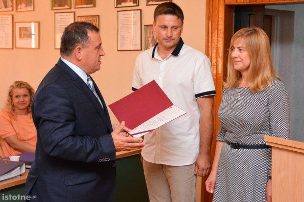 """ZSOiZ i """"Elektronik"""" uhonorowane przez Powiat"""