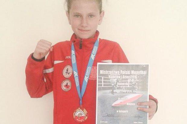 Młodzi fighterzy Gladiatora z trzema medalami Mistrzostw Polski w boksie tajskim