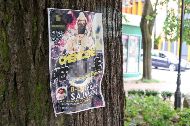 Kara za rozwieszanie wulgarnych plakatów na drzewach