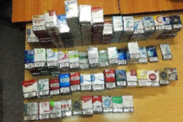 Ukradli z dyskontu papierosy warte... 4 tys. zł
