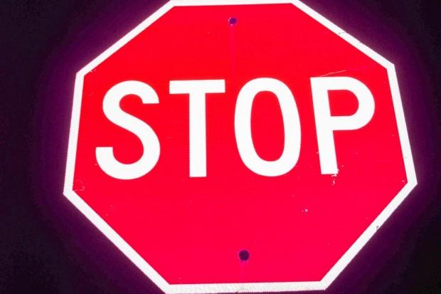 19-latek ukradł 5 znaków drogowych, bo… chciał zarobić