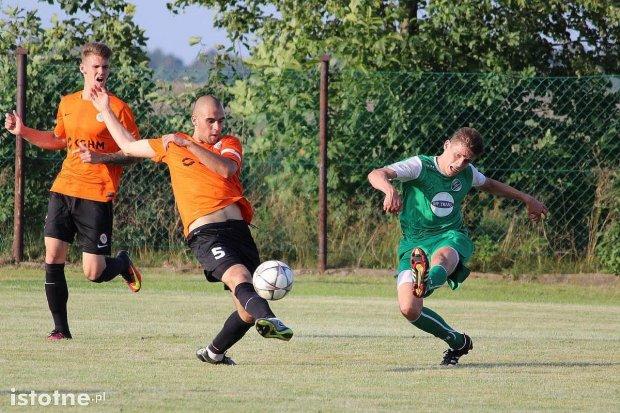 Piłkarska sobota w Bolesławcu, Warcie i Wykrotach