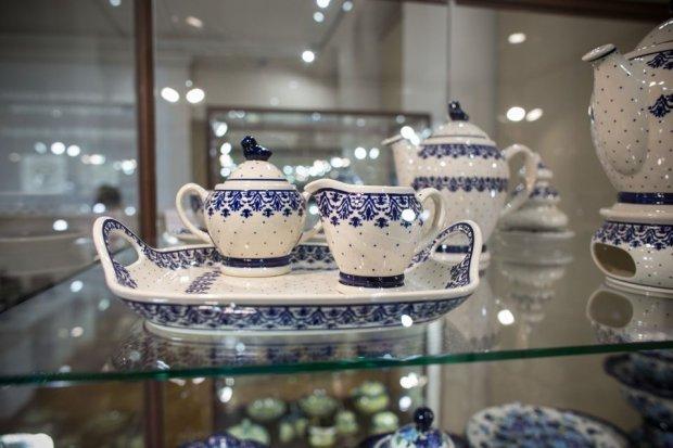 """Ceramika Zakładów Ceramicznych """"Bolesławiec"""" w Muzeum Ceramiki"""
