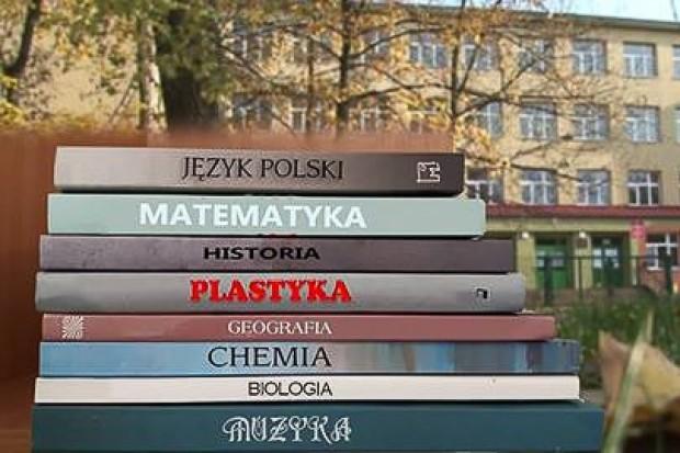 Dla kogo bezpłatne podręczniki?