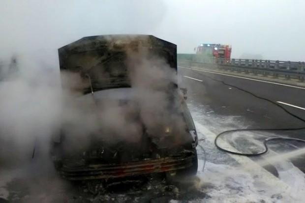 Samochód spłonął na autostradzie A4