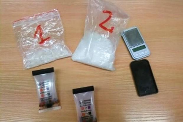 37-latek odpowie za posiadanie ponad 500 porcji metamfetaminy
