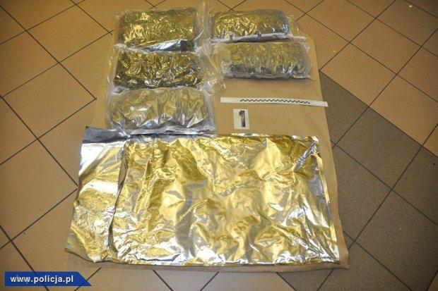 Przemycał marihuanę z Hiszpanii w... pudłach z chipsami. Jej wartość to prawie 850 tys. zł