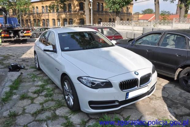 Ukradł BMW warte 140 tys. zł. Pomogli je odzyskać policjanci z Czech